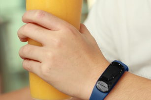 The accuracy of smart bracelet measurement.
